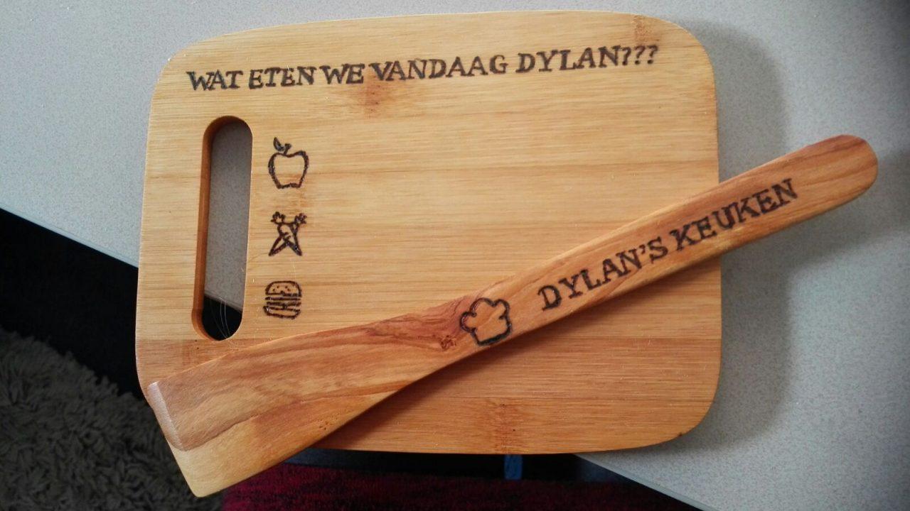 Snijplank plus spatel Dylan